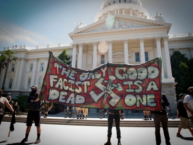 sm_no-nazis-in-sac_7_6-26-16