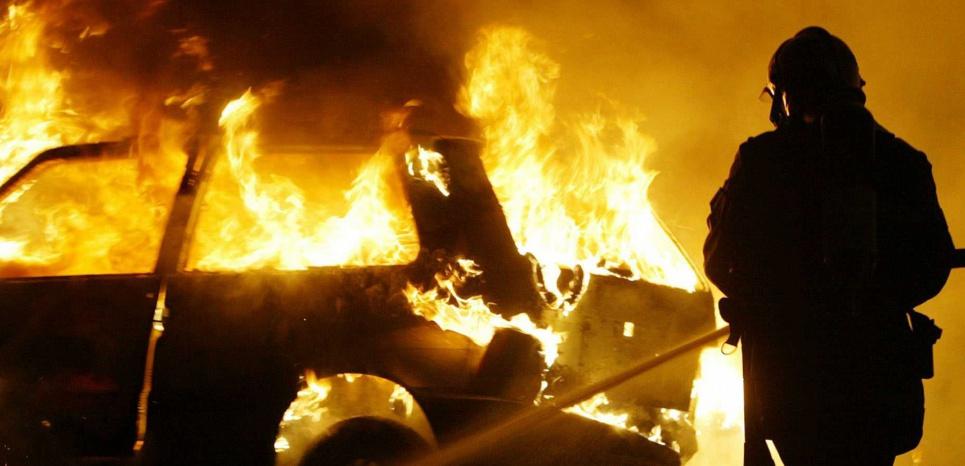 Les autorités n'ont pas dévoilé le chiffre officiel de véhicules brûlés lors de la soirée du réveillon. Mais des incidents ont été rapportés par différents médias.