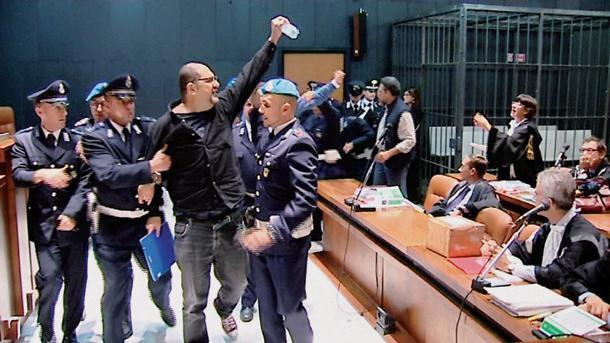 Genova - processo ai due anarchici accusati del ferimento del ma
