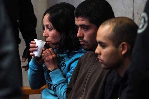 Control de detención a los tres detenidos por su presunta colocación de artefactos explosivos